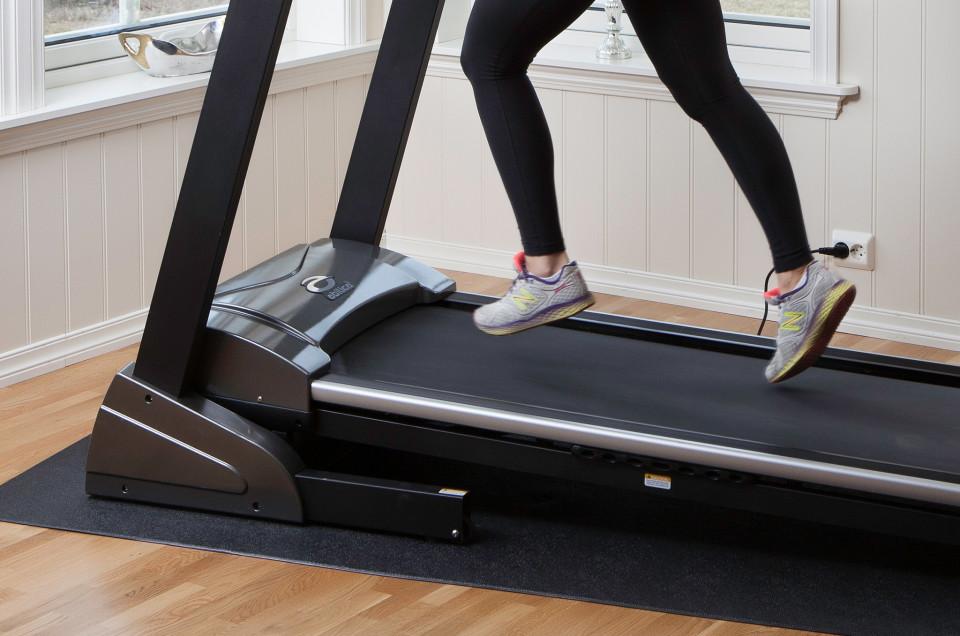 Tredemølle som perfekt redskap når du trener til lange løp